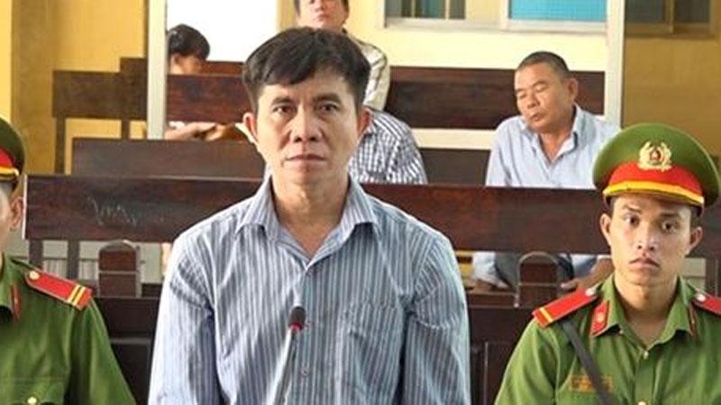 Lĩnh 14 năm tù vì hiếp dâm bé gái hàng xóm