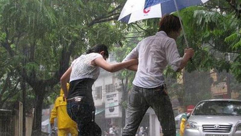 Chấm dứt nắng nóng 40 độ, miền Bắc chuẩn bị đón mưa giông mạnh