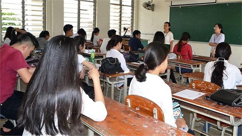 Luật giáo dục: Sinh viên sư phạm phải trả lại học phí nếu làm trái ngành, thay đổi trình độ chuẩn của giáo viên các cấp