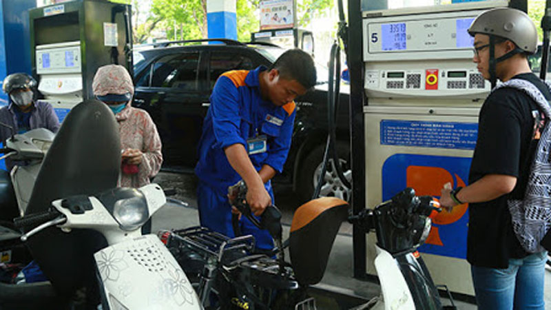 Đề xuất thời gian giữa hai lần điều chỉnh giá xăng dầu là 10 ngày