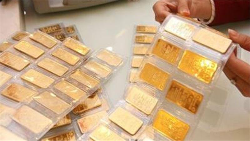 Giá vàng tăng 'dữ dội', vượt mốc 54 triệu đồng/lượng.