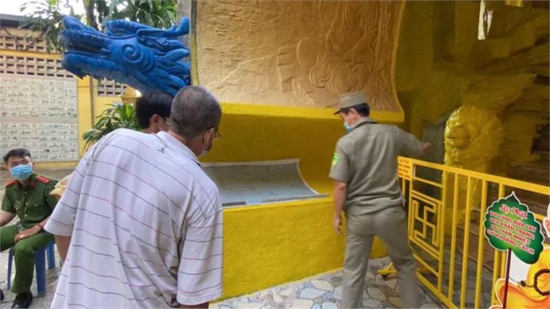 Nhận tro cốt chùa Kỳ Quang 2: 'Tim tôi như vỡ ra'