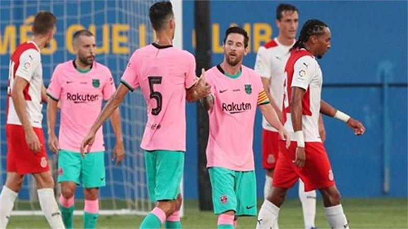 Lionel Messi lập cú đúp giúp Barcelona giành chiến thắng