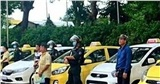 Mâu thuẫn tranh giành khách, 7 tài xế taxi ở Đồng Nai lao vào hỗn chiến trước cổng bệnh viện