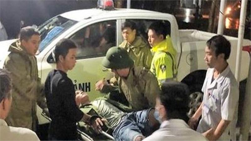 Sạt lở thủy điện Rào Trăng 3: Đưa 5 người bị thương đi bệnh viện, tiếp tục tìm kiếm 13 người mất tích