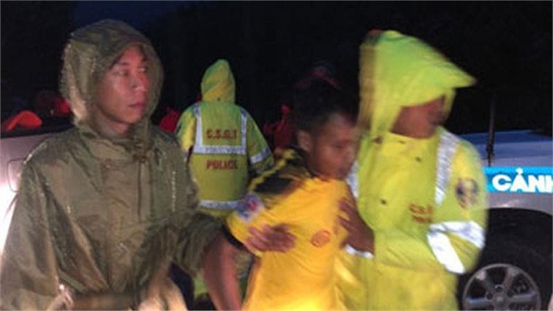 Cập nhật vụ thủy điện Rào Trăng 3: Khẩn cấp cứu 30 người mất tích