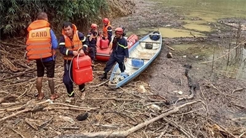Gần 1 nghìn người tìm kiếm, cứu nạn tại thủy điện Rào Trăng 3