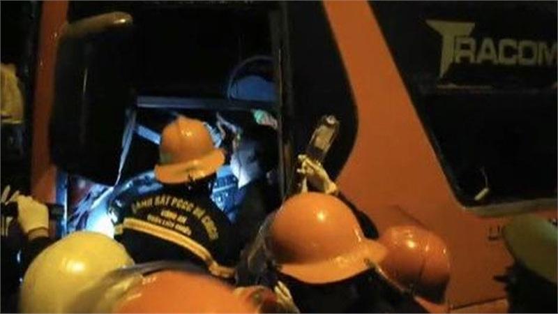Tai nạn kinh hoàng trên đường tránh Hải Vân, hàng chục người thương vong