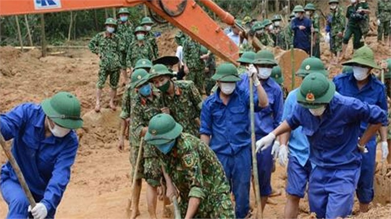 Vụ sạt lở thủy điện Rào Trăng 3: Thăng quân hàm cho 2 chiến sĩ trẻ hy sinh ở trạm 67