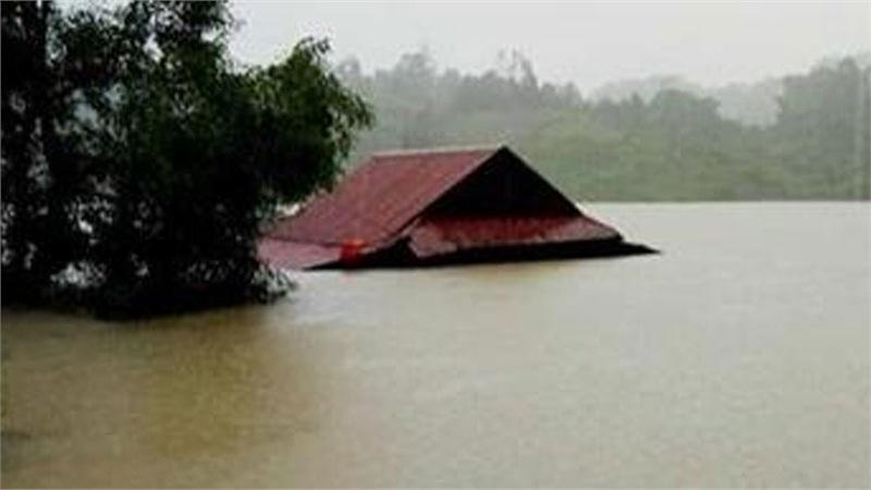 Quảng Bình: Lũ lớn kỷ lục, hơn 57.000 nhà dân ngập chìm trong biển nước