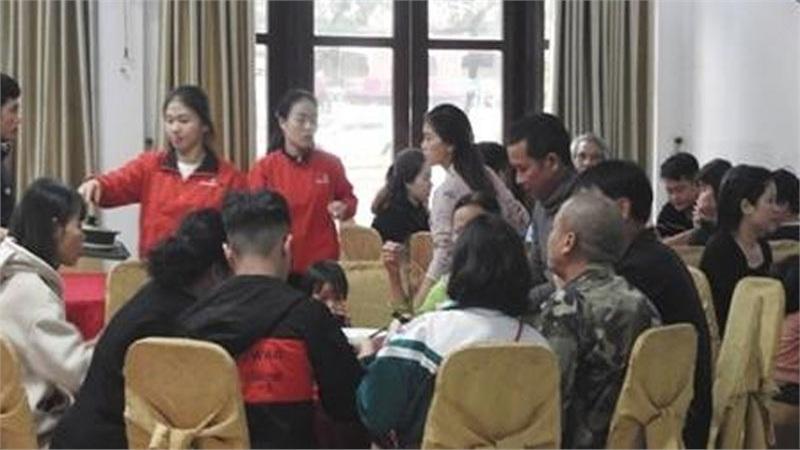 Hà Tĩnh: Nhiều chủ khách sạn tiếp nhận người dân vùng lũ lưu trú miễn phí