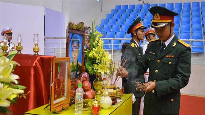 Trực tiếp tang lễ 22 cán bộ chiến sĩ Đoàn 337 bị núi lở vùi lấp ở Quảng Trị: Đồng đội nghẹn ngào, người thân khóc nấc