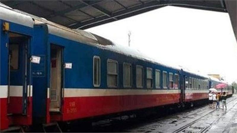 Đường sắt lỗ khoảng 2.000 tỷ đồng vì COVID-19 và bão lũ