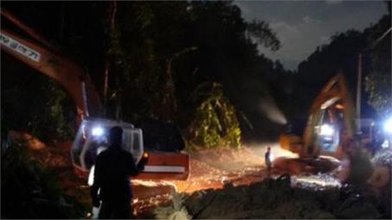 Sạt lở đất ở Quảng Nam: 'Nước lũ ầm ầm đổ xuống, dân làng chạy không kịp'