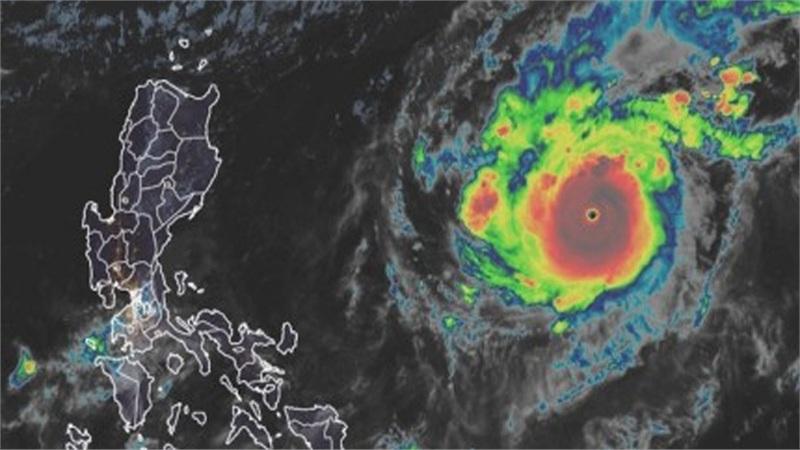 Siêu bão Goni mạnh cấp 17 đang tiến nhanh hướng vào biển Đông