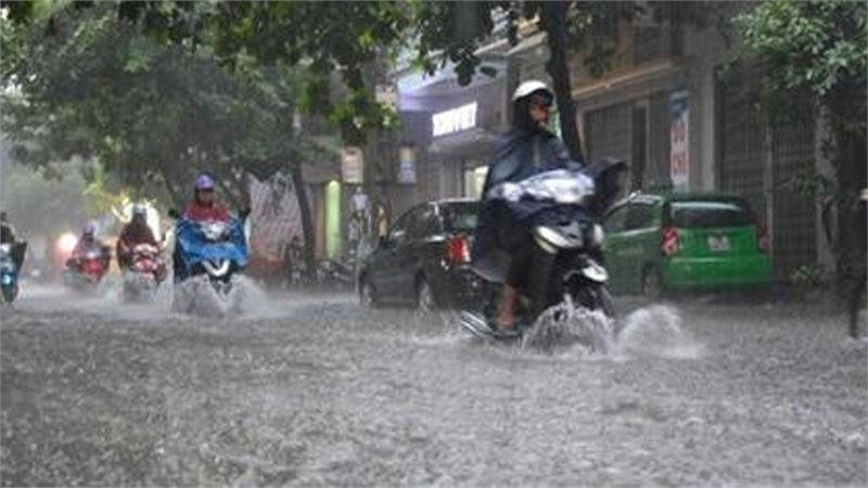 Mưa lớn ở Trung Trung Bộ, bão Vamco có khả năng mạnh thêm