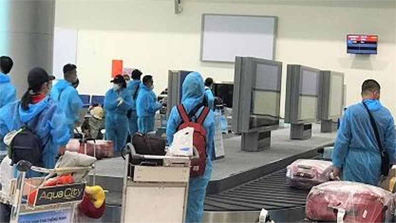 Công dân về Việt Nam sẽ tự trả phí cách ly sau khi nhập cảnh