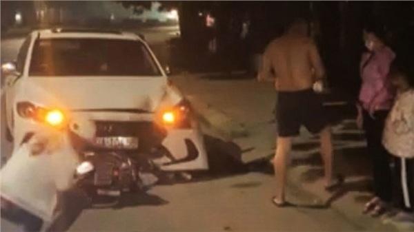 Thanh tra Sở GTVT Hưng Yên lái ô tô ngược chiều gây tai nạn chết người