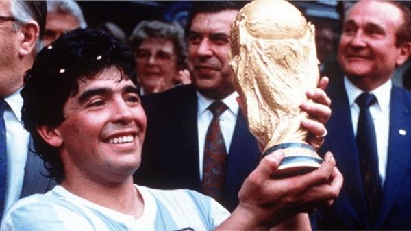 Những dấu ấn của Diego Maradona trong sự nghiệp