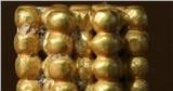 Săn kho báu, bé 9 tuổi đào được bảo vật 3.000 năm bằng vàng ròng