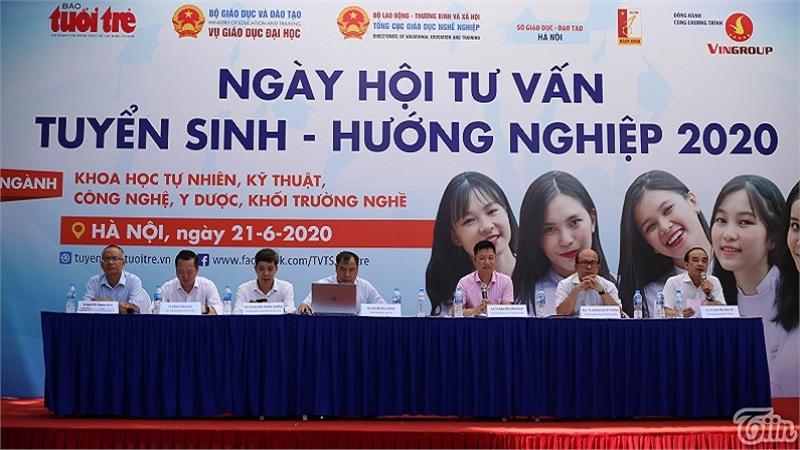 Sôi động ngày hội tư vấn tuyển sinh - hướng nghiệp năm 2020 tại Hà Nội