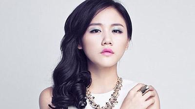 Kẻ tung clip riêng tư của ca sĩ Văn Mai Hương lên web đen sẽ đối mặt với tội danh và hình phạt gì?