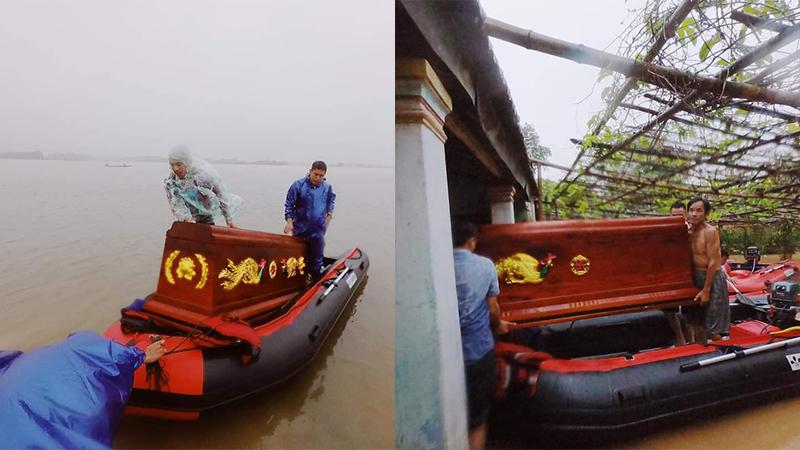 Xúc động cảnh cano vượt lũ chở quan tài đến nhà người dân ở vùng lũ Quảng Trị