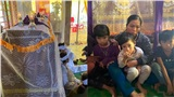 Chồng qua đời vì lật thuyền, vợ khóc cạn nước mắt: Nhà vẫn nợ 150 triệu, 3 con nhỏ tuổi ăn học