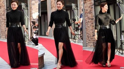 Không chỉ trên phim, ngoài đời Kim Hee Ae cũng sở hữu phong cách thời trang toát lên khí chất và vẻ sang trọng của người phụ nữ thành đạt