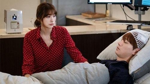 Ye Eun (Yoo Im Young) và Kang Won (Jun U-Kiss) thay đổi mối quan hệ sau khi đối mặt với tử thần trong 'Giả danh'