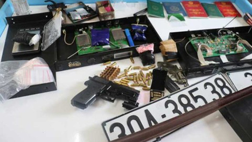 Bắt kẻ tàng trữ gần 7.000 viên ma túy và 3 khẩu súng