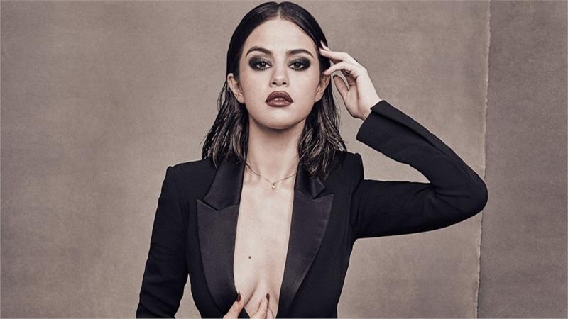 Hết ca hát đến đóng phim, Selena Gomez kiêm luôn cả vai trò mới trong dự án điện ảnh