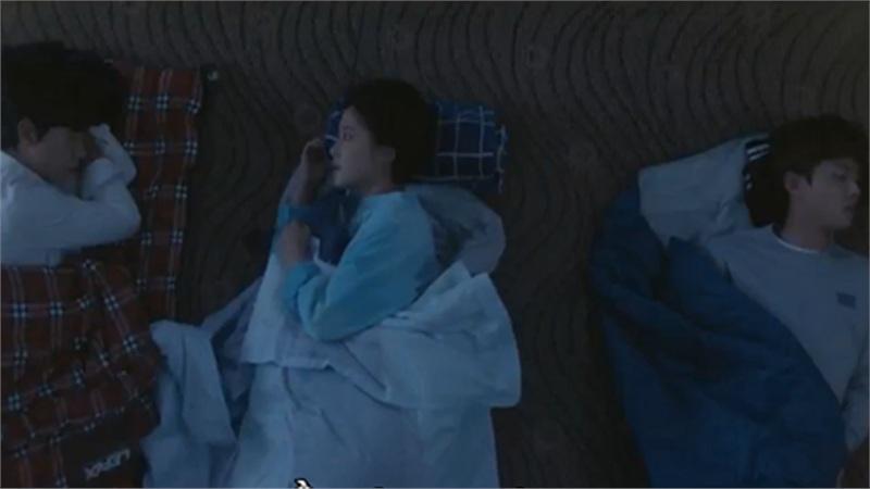 'Gửi anh, người từng yêu em': Hwang Jung Eum chơi lớn ngủ với cả 2 người đàn ông cùng lúc