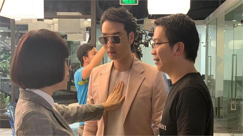 'Tình yêu và tham vọng' gây tò mò với sự xuất hiện của 2 gương mặt trai xinh gái đẹp mới, xen vào chuyện tình Minh - Linh - Sơn?