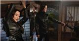 Kim Hee Sun phấn khích trong lần đầu đấu súng, vừa làm mẹ vừa làm 'người tình' Joo Won trong phim mới 'Xứ sở Alice'