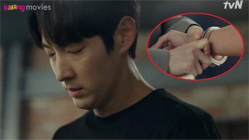 'Flower of evil' teaser tập 23-24: Jang Hee Jin nhận tội giết người, Lee Joon Ki vẫn bị đích thân vợ Moon Chae Won còng tay đưa về đồn?