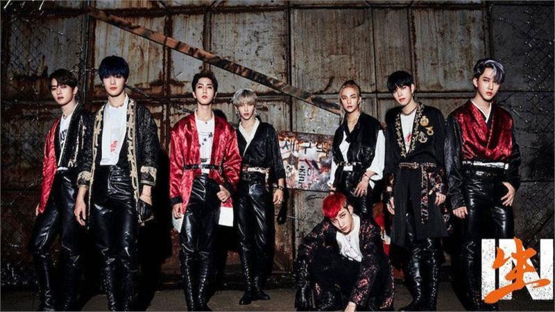 Tiếp bước SuperM và BlackPink, Stray Kids khiến fan thích mê khi diện Hanbok cách tân trong MV 'Back Door'