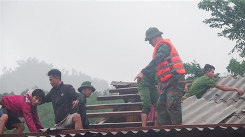 9 người bị thương, nhiều bản bị chia cắt tạm thời ở Quảng Bình