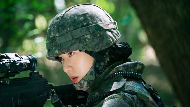 Dự án kinh dị mới của Krystal: Trải qua nhiều khóa huấn luyện, mong muốn lột xác sau hình tượng người lính