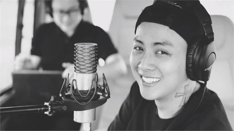 Hoài Lâm xác nhận tái xuất showbiz với nghệ danh mới