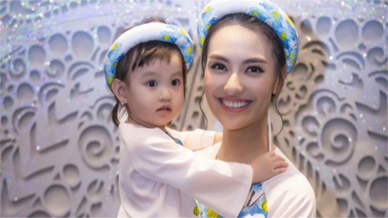 Hồng Quế hỏi tội con gái vì bỏ bữa, hé lộ áp lực khi vừa làm bố vừa làm mẹ