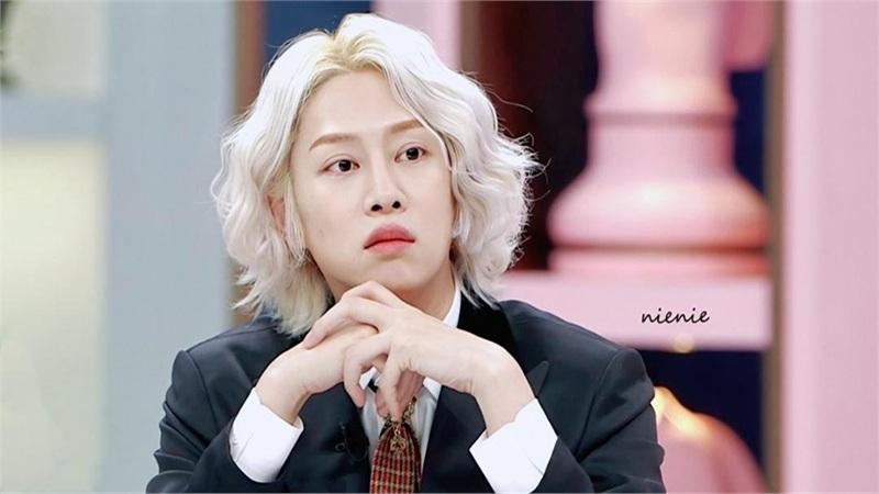 Sau khi tự cách ly, Heechul (Super Junior) âm tính với COVID-19