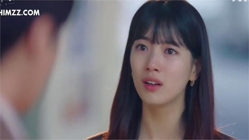 'Khởi nghiệp': Bae Suzy khóc sưng mắt khi phát hiện ra sự thật về tình đầu Nam Do San
