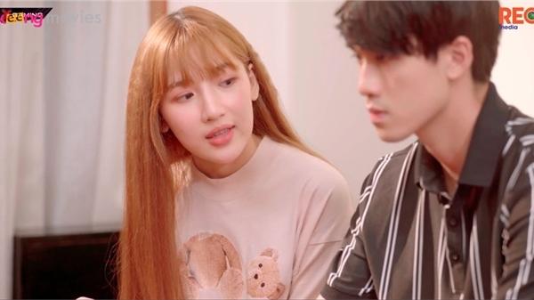 'Bạn trai song sinh' tập 9: Bí mật 'suýt' bại lộ, Hoàng Kim lo sợ mất người yêu vào tay Tú Tri