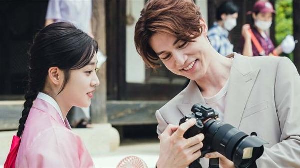 Tung hậu trường 'Bạn trai tôi là hồ ly' sau tập cuối: Lee Dong Wook - Jo Bo Ah 'phim giả tình thật'?