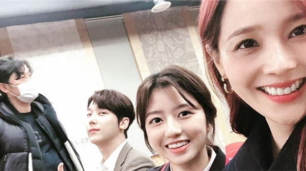 'Cuộc chiến thượng lưu': Lộ phần 2, Oh Yoon Hee thoát chết trở về đoàn tụ với Ro Na, còn lấy chồng cũ của Seo Jin?