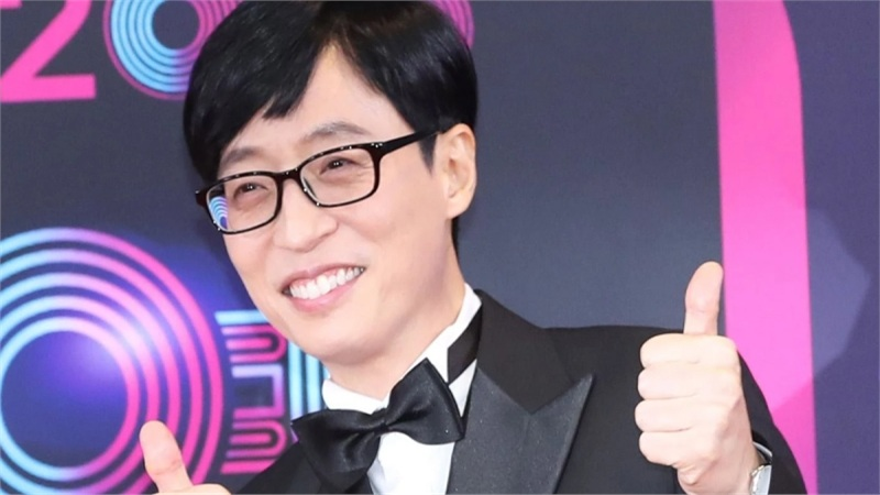 Yoo Jae Suk bị chỉ trích gay gắt vì không quyên góp tiền từ thiện nhiều như Suzy, IU
