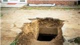 Vừa chuyển về nhà mới, người đàn ông nghe âm thanh lạ phát ra từ lòng đất trước khi đào được 'kho báu' đặc biệt