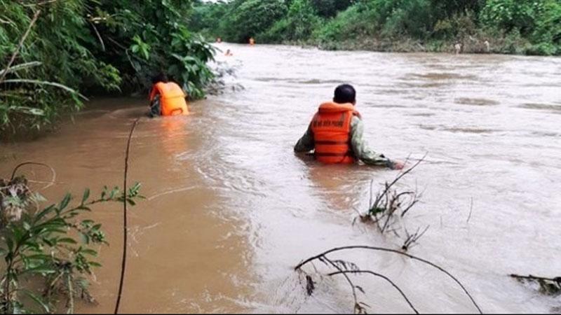 Tìm thấy thi thể người đàn ông bị nước lũ cuốn trôi ở biên giới Nghệ An