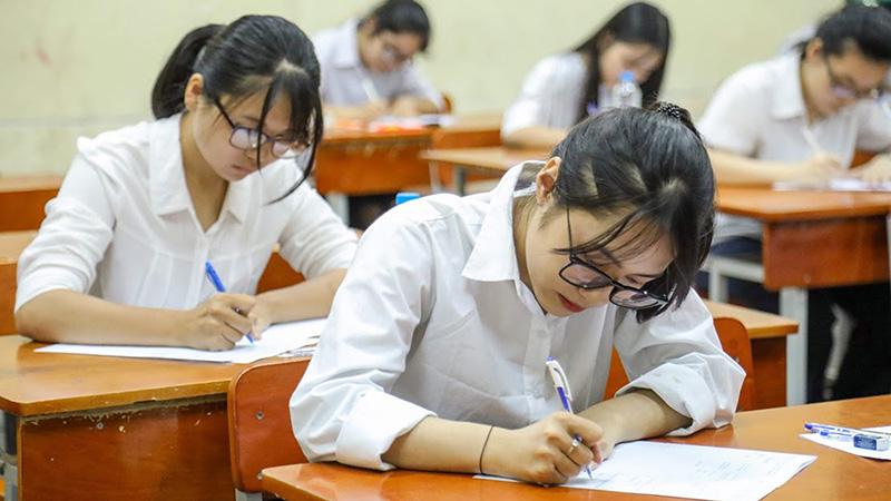 Hơn 900.000 hồ sơ đăng ký thi Tốt nghiệp THPT, nhưng số lượng xét tuyển đại học, cao đẳng vẫn giảm